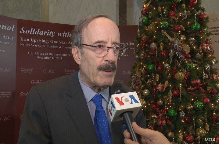 Democratic Congressman Eliot Engel talks to VOA Persian at a Rayburn House Office Building event by the Organization of Iranian American Communities in Washington, Dec. 11, 2018.